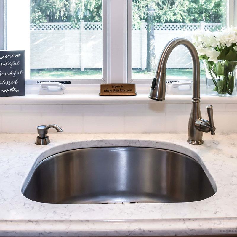 Rouleau granit - lavabo Dekton