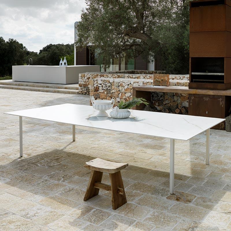 Rouleau granit - table d'extérieur Laminam